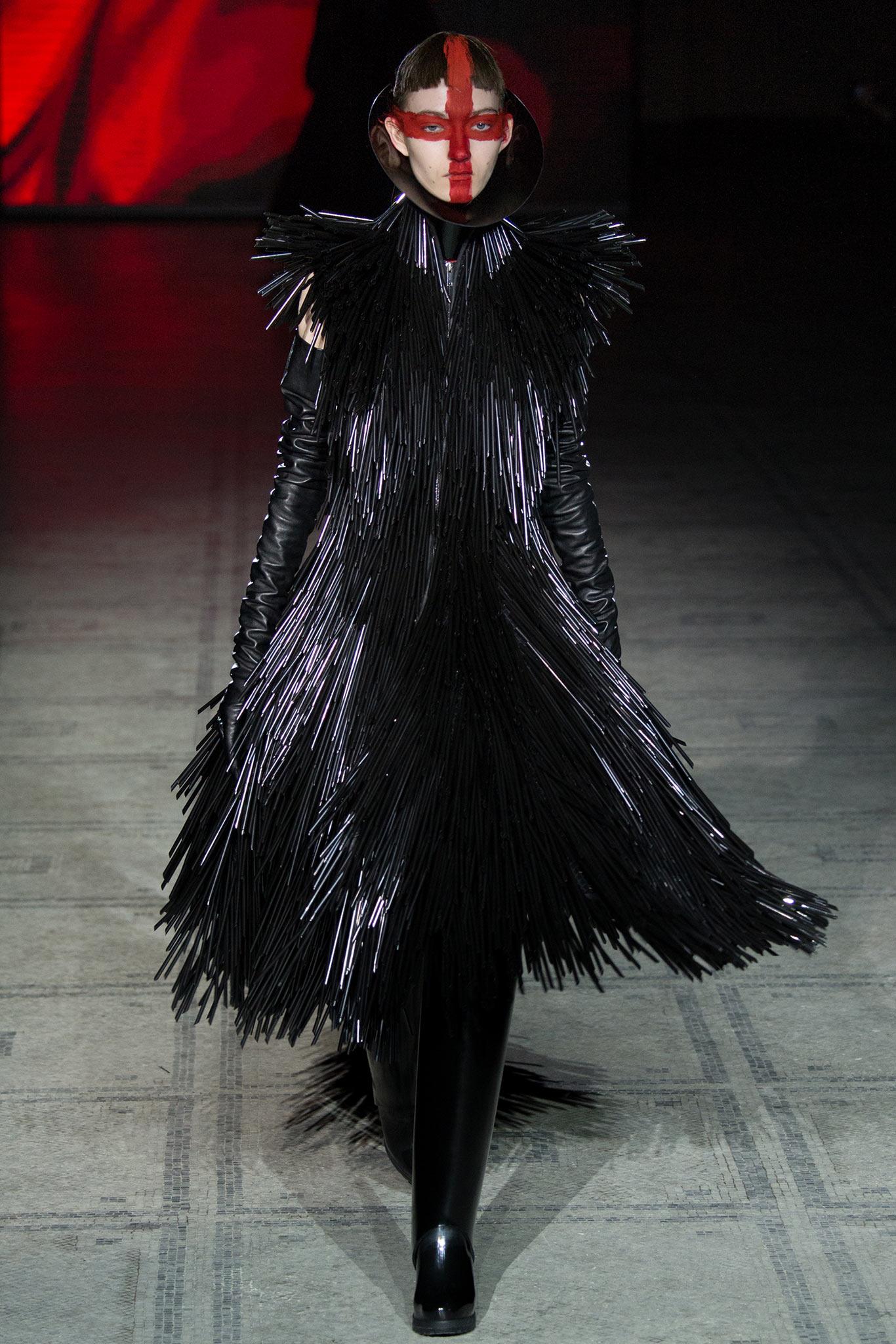 Gareth Pugh| London Fashion Week Fall 2015 RTW